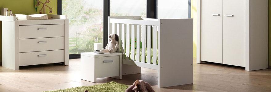 chambre b b lits meubles et accessoires pour b b s. Black Bedroom Furniture Sets. Home Design Ideas